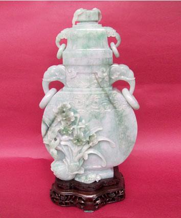 翡翠《花鸟瓶》